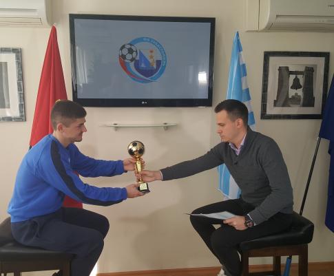 Андрей Кива выиграл «Золотой мяч»